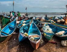 Boats at murudeshwar beach, karnataka, free photos, free indian photos, free indian stock photos, india travel photos, indian images, free indian photos, free indian pictures, indian stock photography, indian travel images