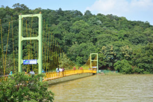 laknavaram lake bridge, free indian travel and stock photos